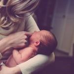 Abstillen: Wann & wie Sie ihr Baby langsam vom Stillen entwöhnen